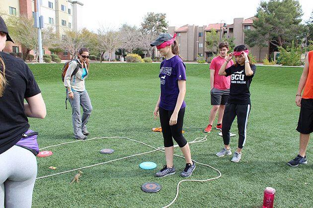 Amazing team-building games in educational school trips