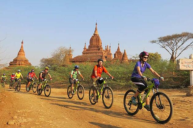 Bagan-Bike-Tour from Myanmar student tour