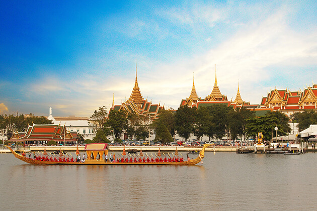 Chao Phraya River boat trip from Thailand school trip