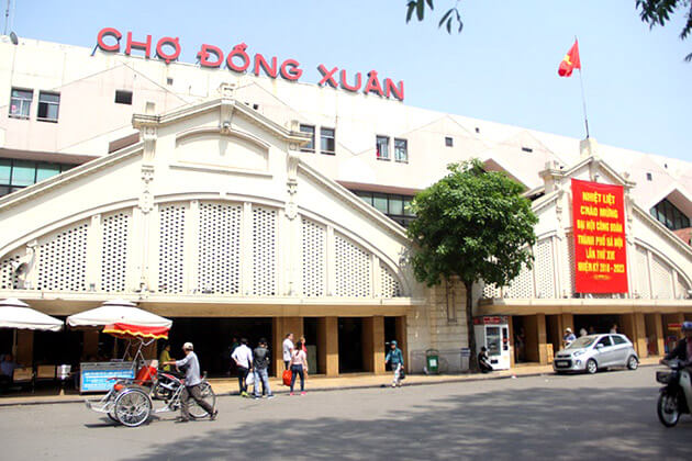 Dong Xuan Market in Hanoi - best destination in Vietnam school tour