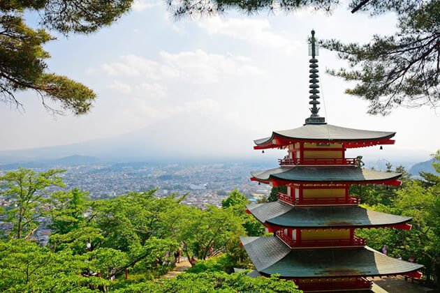 Hakone - a must-see place in Japan school tour