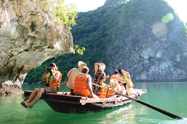 Halong Discovery in Vietnam School Trip