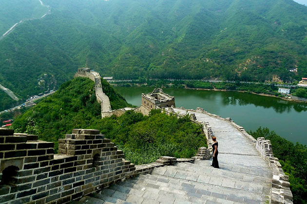 Huanghuacheng Great Wall exploration in China school trip