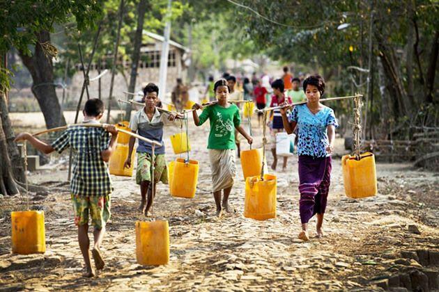 Local-people-in-little-town-of-Dala-Myanmar-school-trips