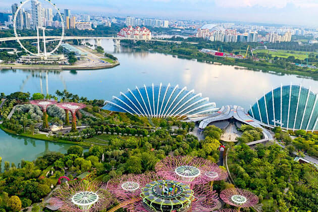 Magnificent Bird's Eye View from the Singapore Flyer