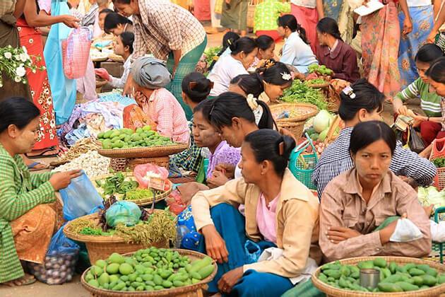 Nyaung-Oo-Market in Myanmar