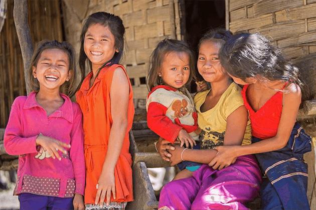 Small children in Ban Xang Khong village