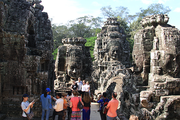 Student group visit Temple of Angkor