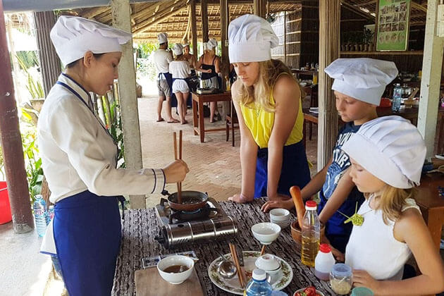 Students cook with local family in Mekong Delta