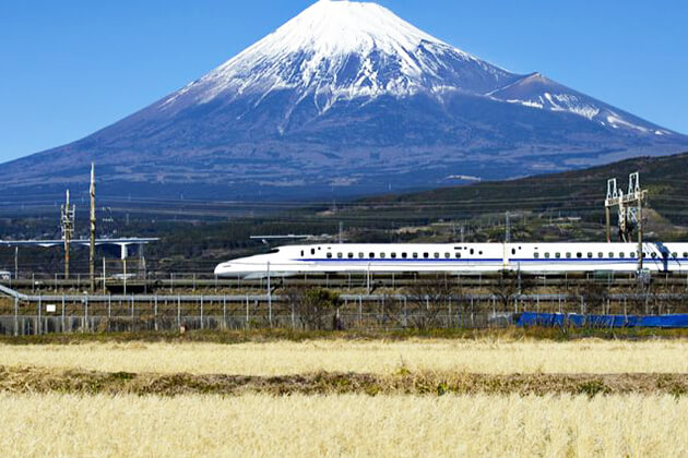 Students experience bullet train in Japan