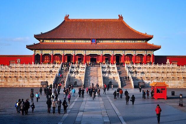 Students in China school tour visit Forbidden City China
