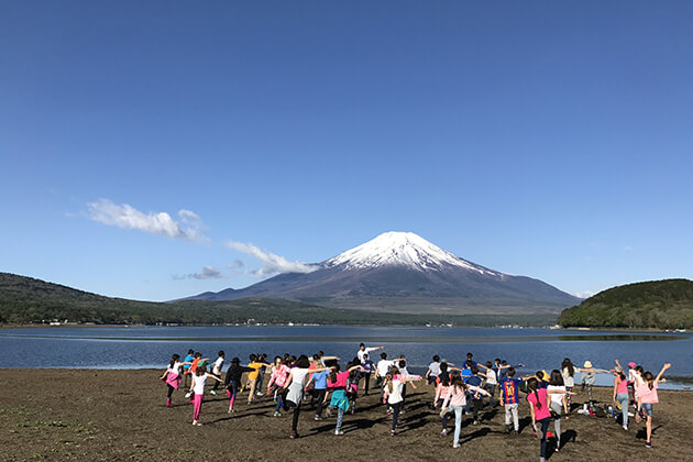 Students join active activities at Mount Fuji
