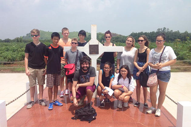 Students visit Long Tan Cross in School Trip