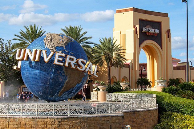Students visit Universal Studios in Singapore