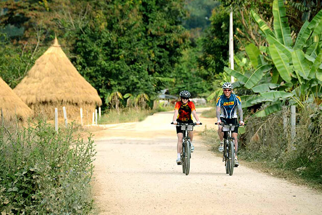 Thailland school tour take a field trip with scenic bike riding - Copy