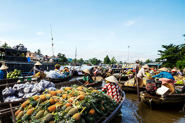 Vinh Long market in Mekong Delta