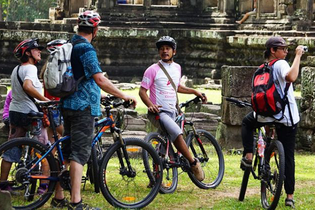 Visit Angkor by Bike