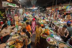 Visit-the-Russian-Market-in-Phnom-penh