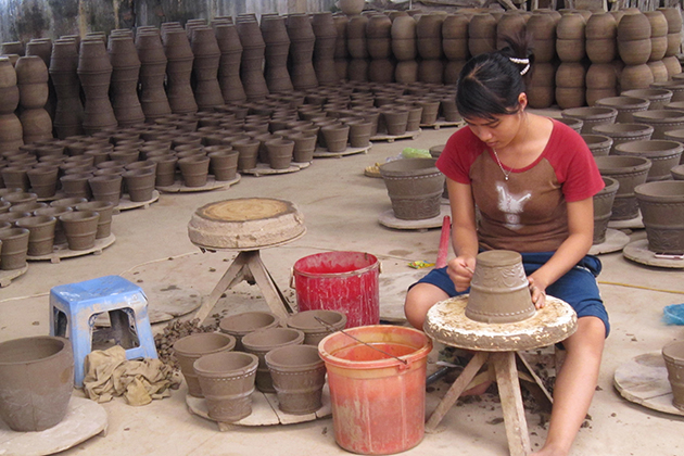 Visit the local workshop in Mekong Delta