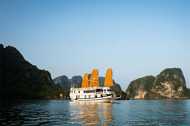 V'spirit Cruises in Halong Bay