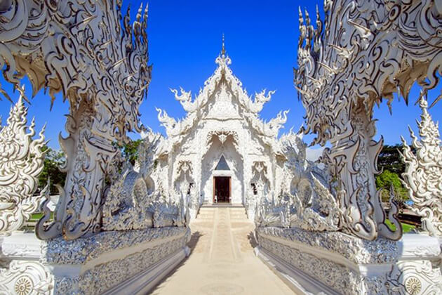 Wat Rong Khun Temple visiting in Thailand student tour