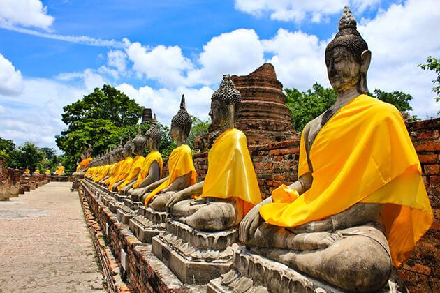 school tour to Thailand visit Wat Chai Mongkhol