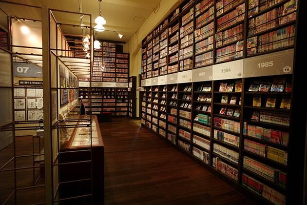 students explore International Manga Museum in Japan school tours