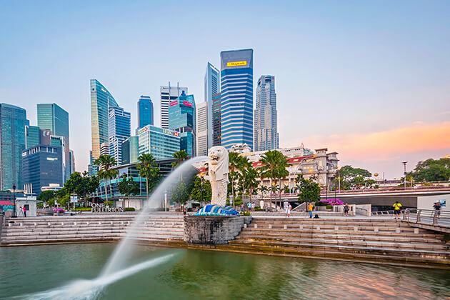 students of school tour to Singapore explore Merlion Park - Singapore