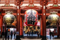 students visit Sensoji Temple in Japan school tour